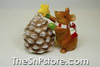Mouse Wth Pinecone