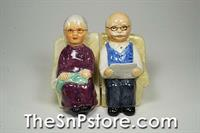 Armchair couple Salt & Pepper Shakers