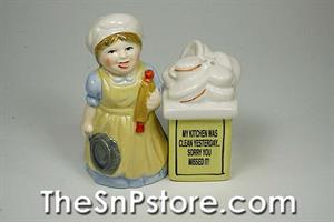 Clean Kitchen Salt & Pepper Shakers