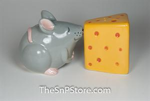 Mouse Kissing Cheese Salt & Pepper Shakers - Magnetic