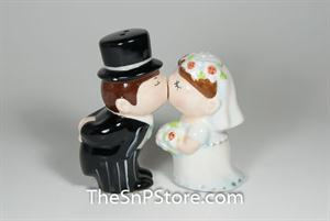 Bride and Groom Salt Pepper Shakers - Magnetic