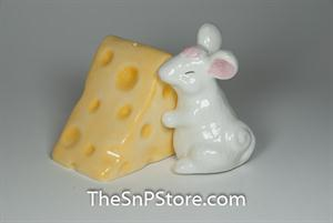 Mouse Hugging Cheese Salt & Pepper Shakers - Magnetic