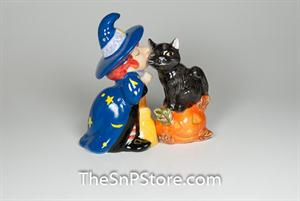 Witch Kissing Cat Salt & Pepper Shakers - Magnetic